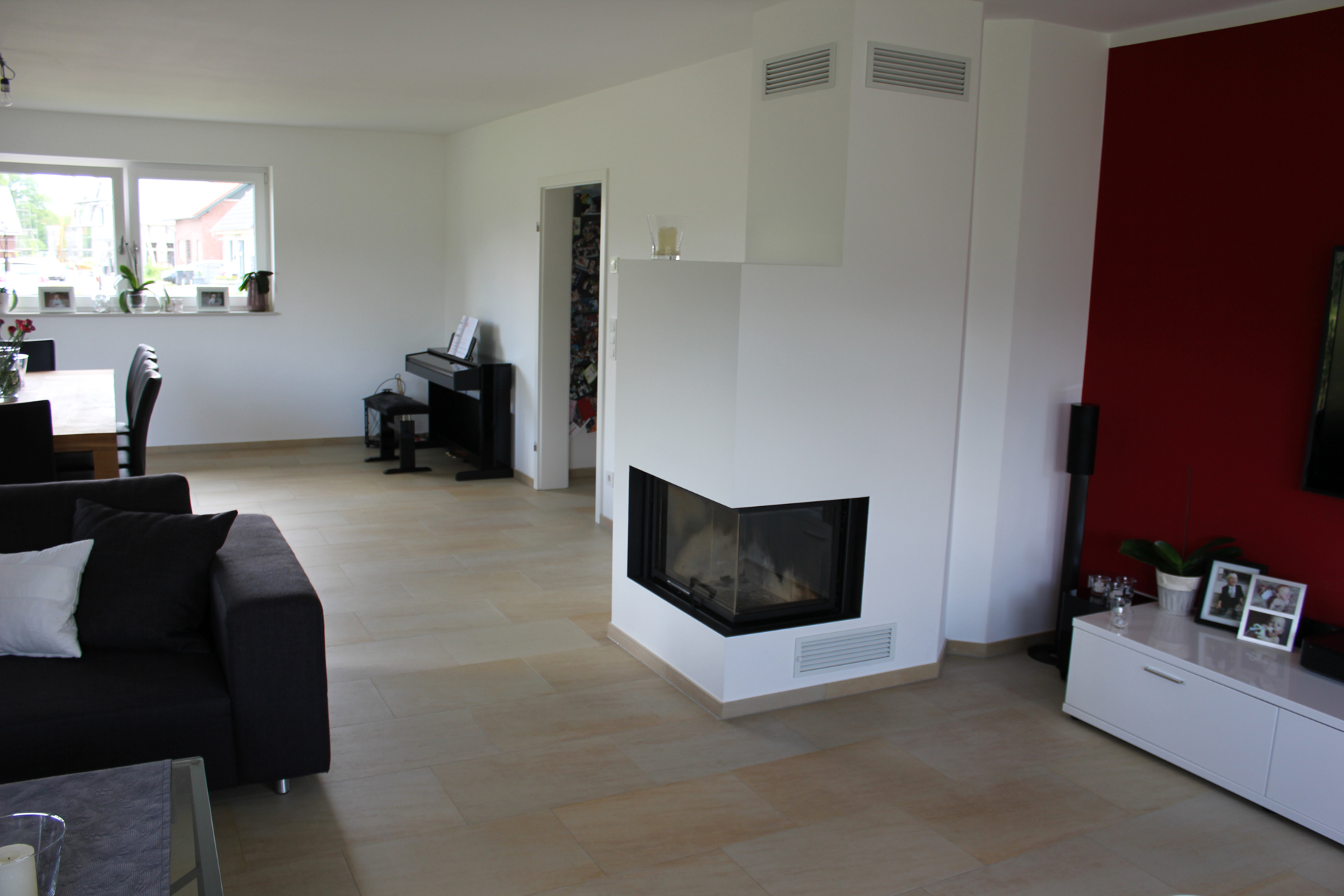 fliesen grau wohnzimmer beste inspiration f r home design. Black Bedroom Furniture Sets. Home Design Ideas